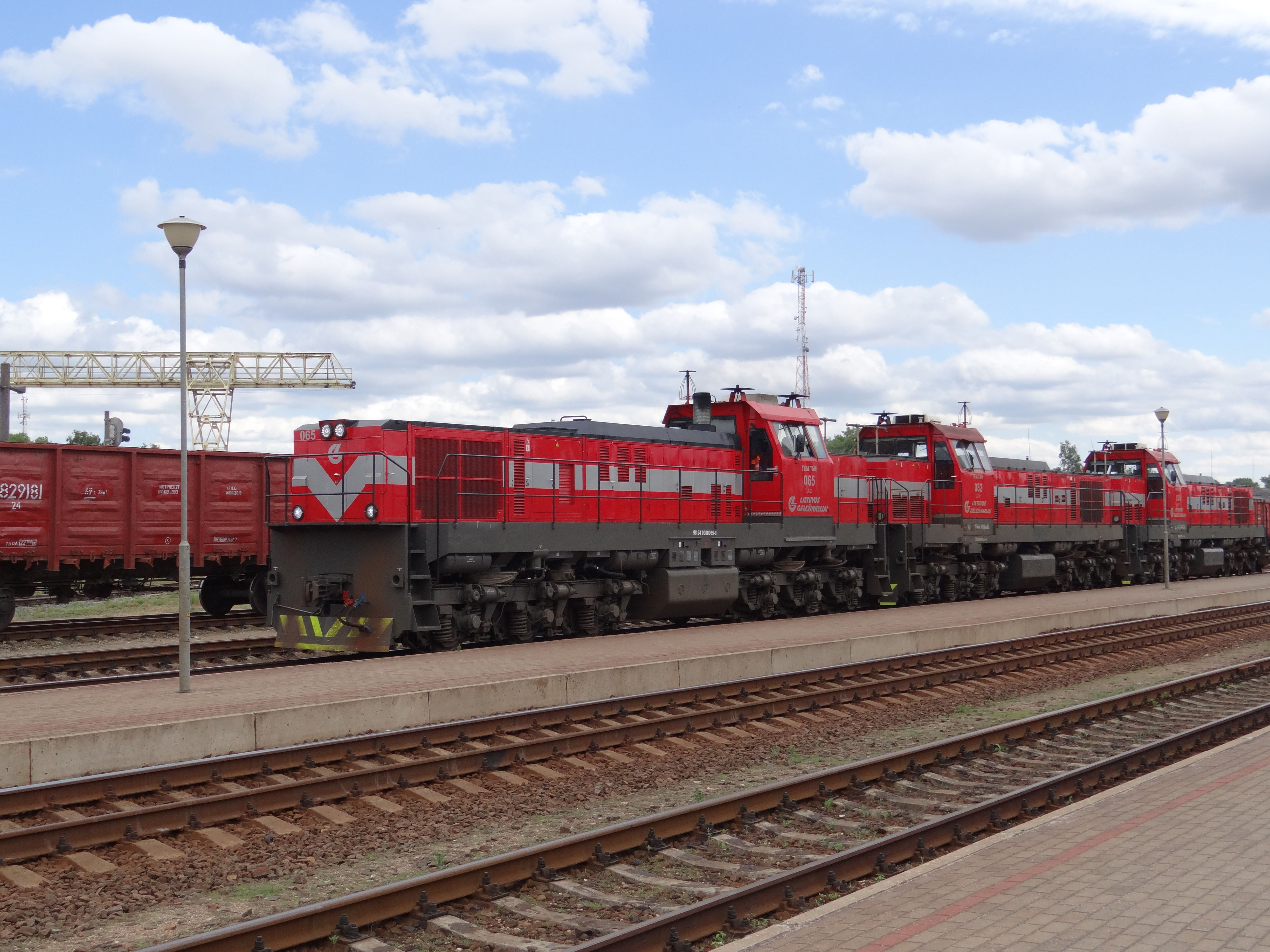 FUNET Railway Photography Archive: Lithuania - cargo locomotives and