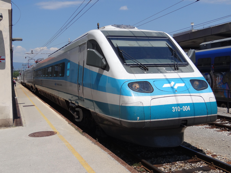 FUNET Railway Photography Archive: Slovenia - electric locomotives