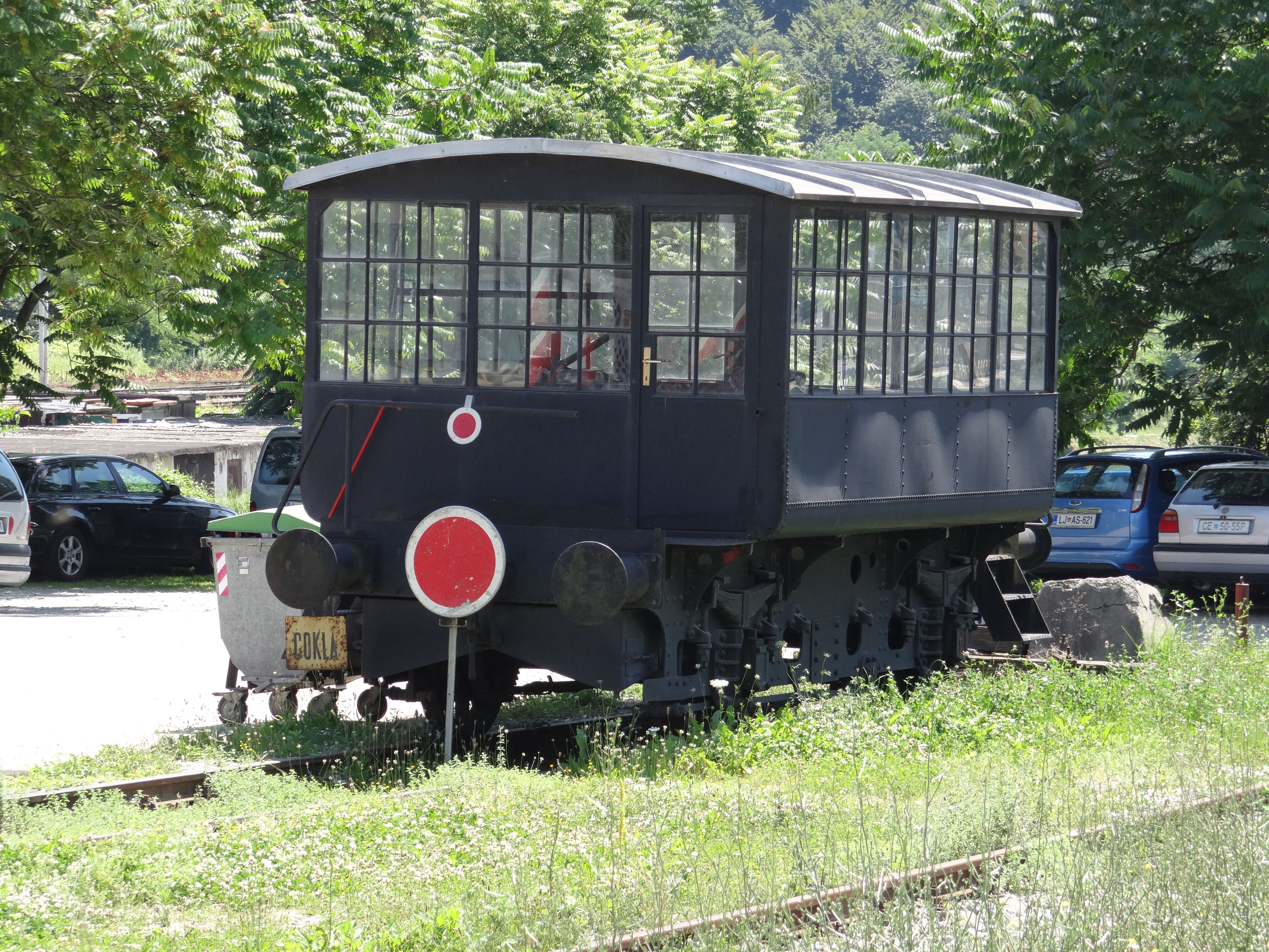 FUNET Railway Photography Archive: Slovenia - rail tractors and